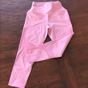 ALO bright pink mesh crops. Never worn.